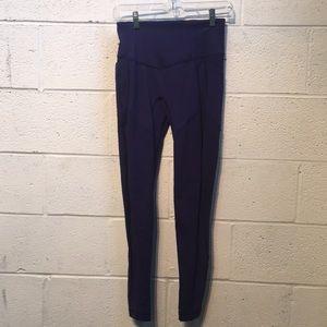 Lululemon purple full legging w/ side pockets sz 6